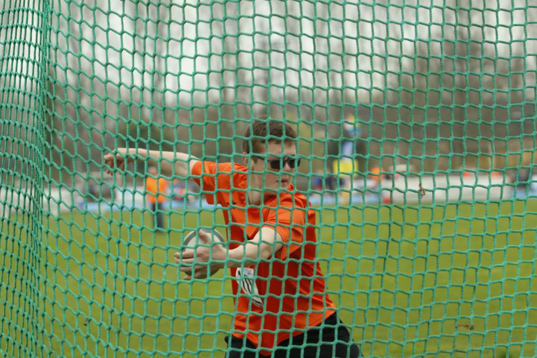 Sebastiaan in actie tijdens de competitie in Edam
