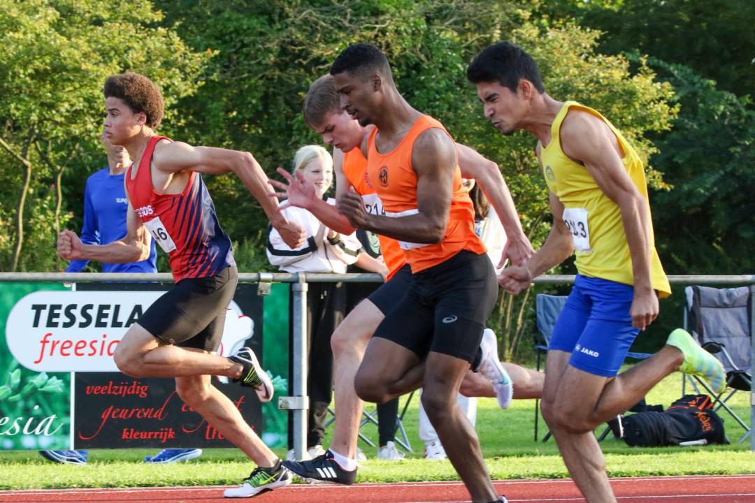 Stephen Haakmat sprintte op de 100m naar 11,16s (Foto Fons Mok)
